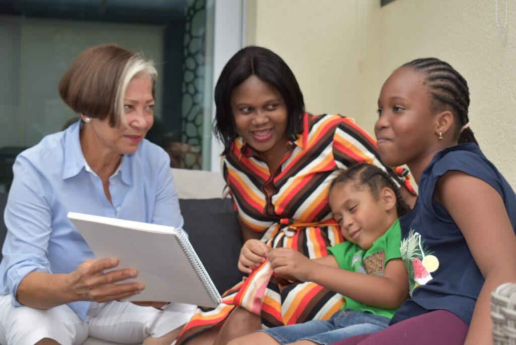Bei der Intervention wird besondern Anliegen von Frauen und Kindern getragen